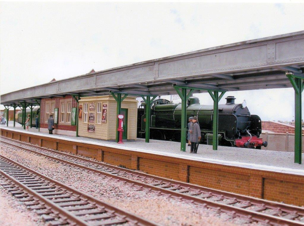 Nevertheless it was a Southern Railway station with junction status and considerable operating potential with erging lines to llfracombe and Torrington ... : oo gauge station canopy - memphite.com